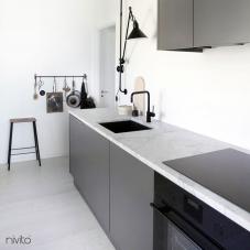 黑色 厨房水龙头 - Nivito 5-RH-320